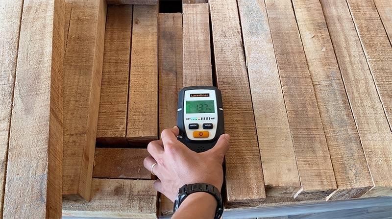 lỗi không đạt độ ẩm trên gỗ cao su xẻ sấy