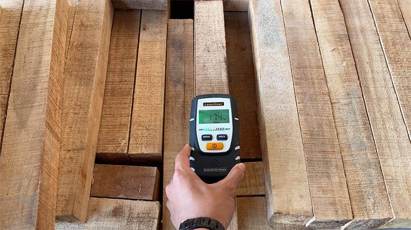 Không đạt độ ẩm trên gỗ cao su xẻ sấy