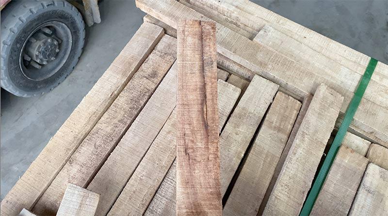 lỗi bị quầng trên gỗ cao su xẻ sấy