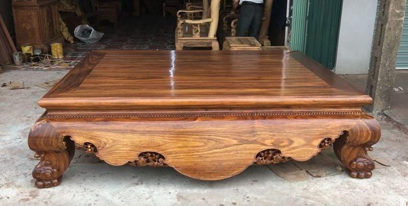 Giường gỗ vân hương đá