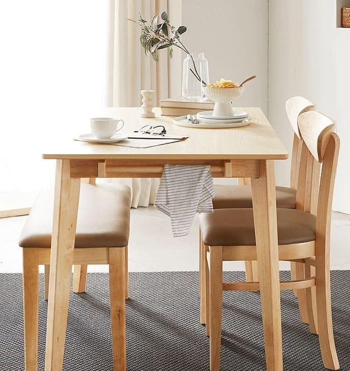Phong cách bàn ăn gỗ thông hiện đại
