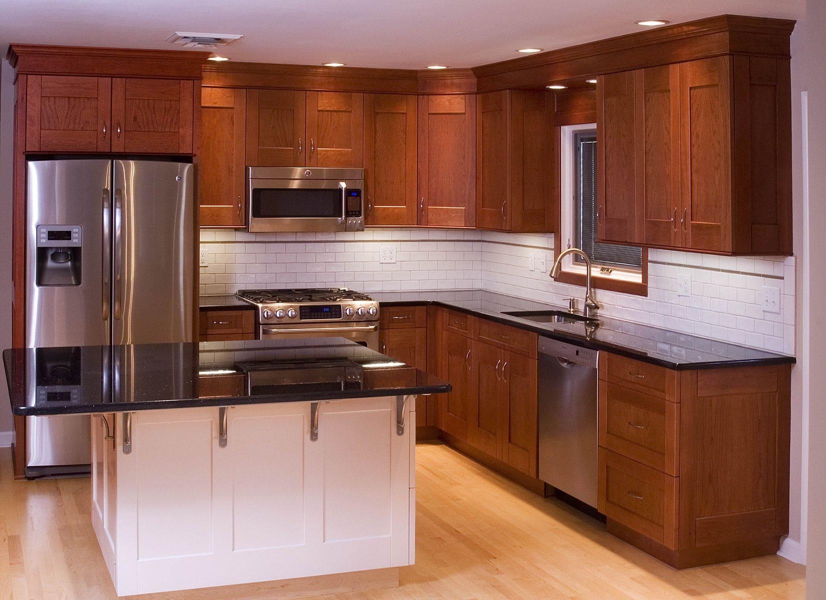 Tủ bếp làm bằng gỗ xoan đào