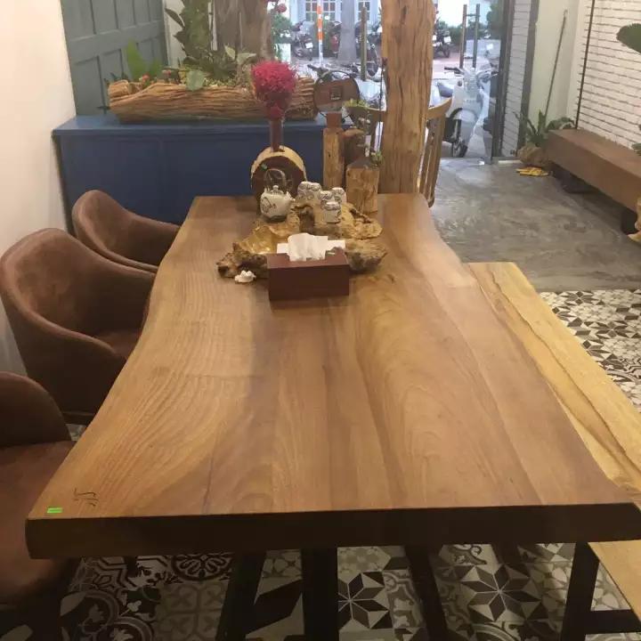 Bàn ăn bằng gỗ ké vàng